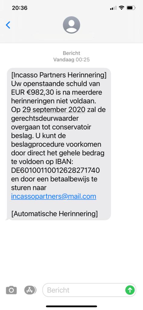 A screenshot of a Dutch smishing message